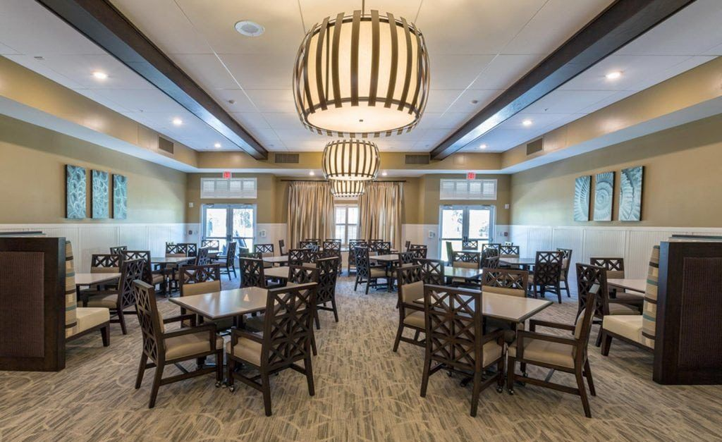 dining room at the crossings at riverview