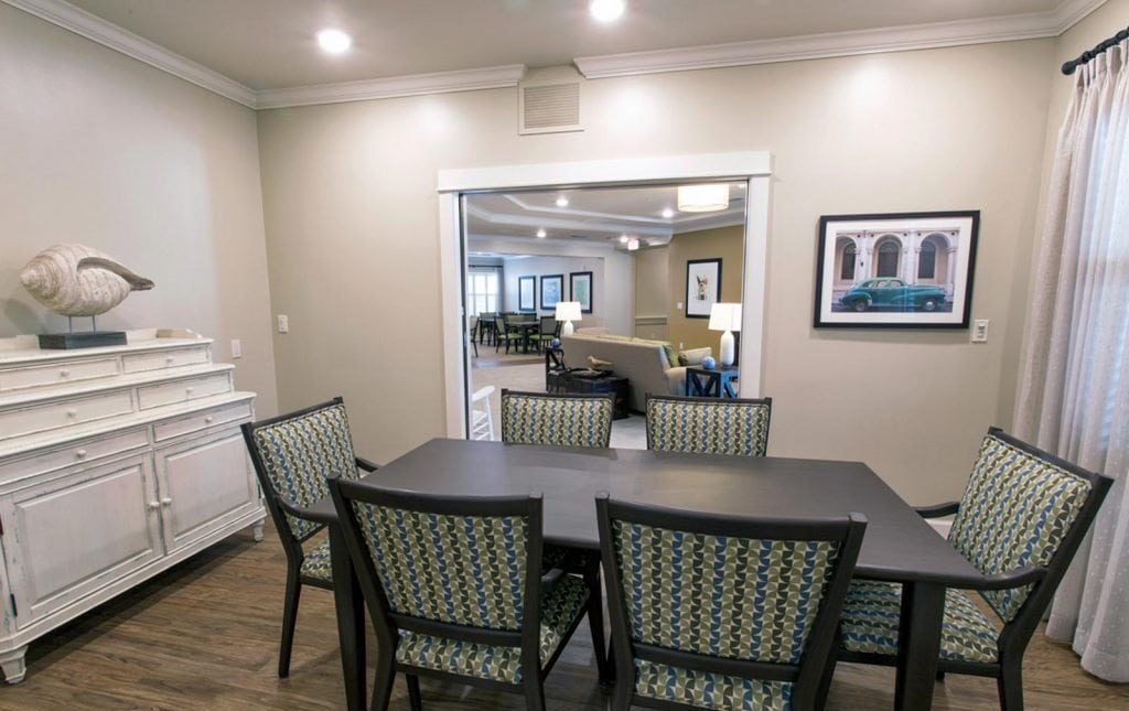 The Crossings Dining Area